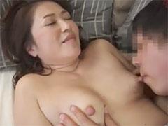 熟女のデカ乳首
