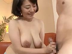 巨乳人妻のパイズリ