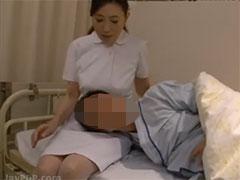 ナースの膝枕