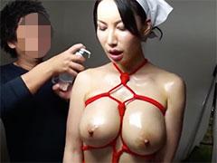 性奴隷の巨乳熟女